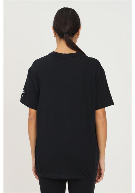 T-shirt donna nero nike a manica corta con logo frontale a contrasto NIKE | T-shirt | DD5431010