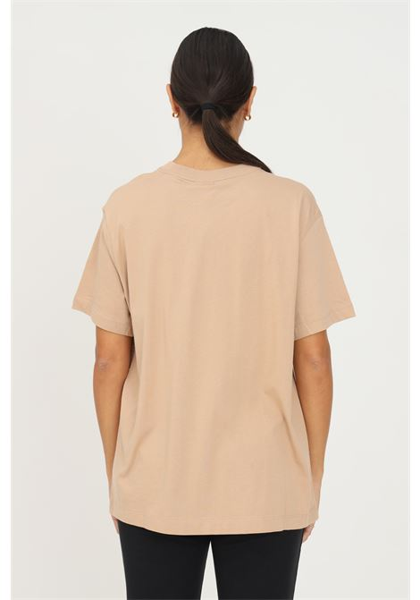 T-shirt donna beige nike a manica corta con mini ricamo logo a contrasto frontale NIKE | T-shirt | DH4255200