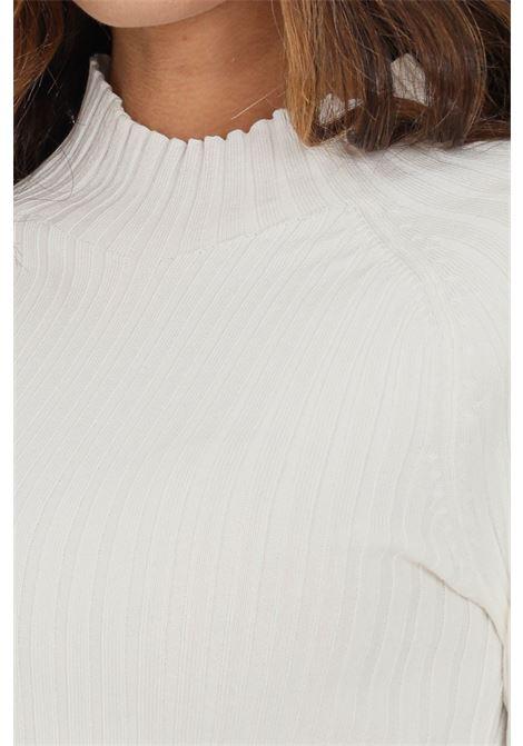 Maglioncino donna panna only modello girocollo con taglio corto ONLY | Maglieria | 15237835CLOUD DANCER