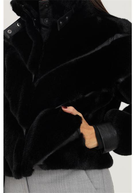 Pelliccia eco nero corta firmata patrizia pepe PATRIZIA PEPE | Giubbotti | 2L0905/A5T7K103
