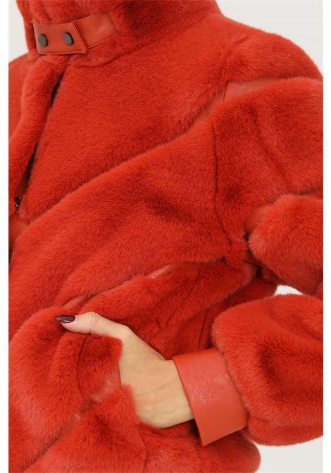 Pelliccia eco arancio corta firmata patrizia pepe PATRIZIA PEPE | Giubbotti | 2L0905/A5T7R734