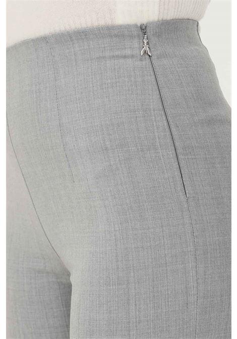 Pantaloni donna grigio patrizia pepe con elastico in vita e zip laterale PATRIZIA PEPE | Pantaloni | 2P1343/A1PHS131