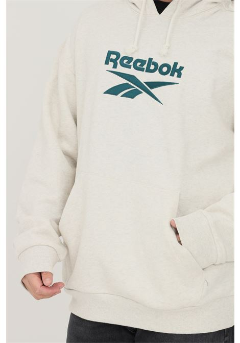 Felpa uomo grigio reebok con cappuccio e maxi ricamo logo frontale REEBOK | Felpe | GS9147.