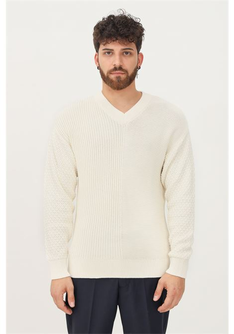 Cream men's sweater by selected with v-neckline SELECTED | Knitwear | 16081072JEAT STREAM