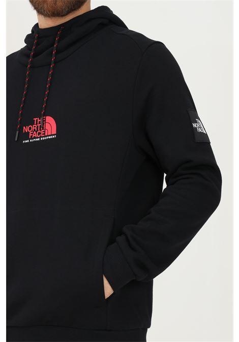 Felpa uomo nero the north face con cappuccio e logo frontale THE NORTH FACE | Felpe | NF0A3XY3KX91KX91