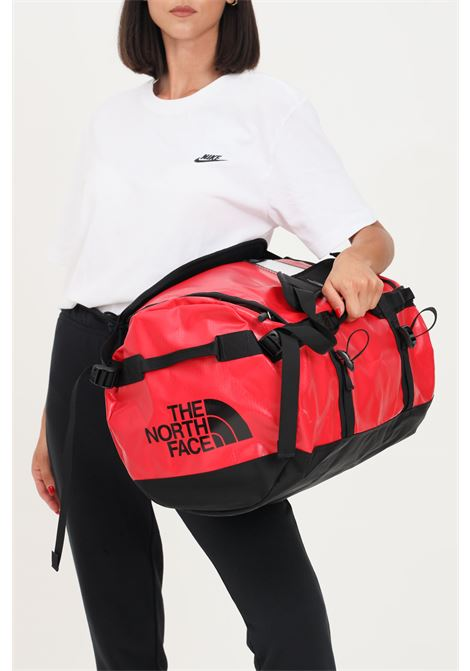 Red unisex gym bag by the north face with contrasting logo THE NORTH FACE | Sport Bag | NF0A52STKZ31KZ31