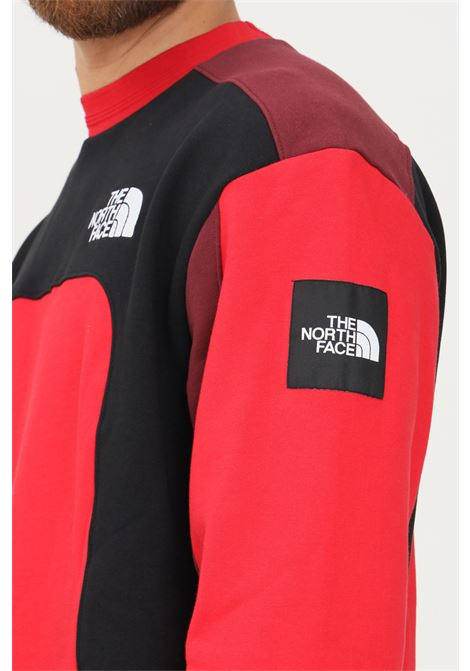 Felpa uomo rosso the north face modello girocollo con ricamo logo a contrasto THE NORTH FACE | Felpe | NF0A55IA68216821