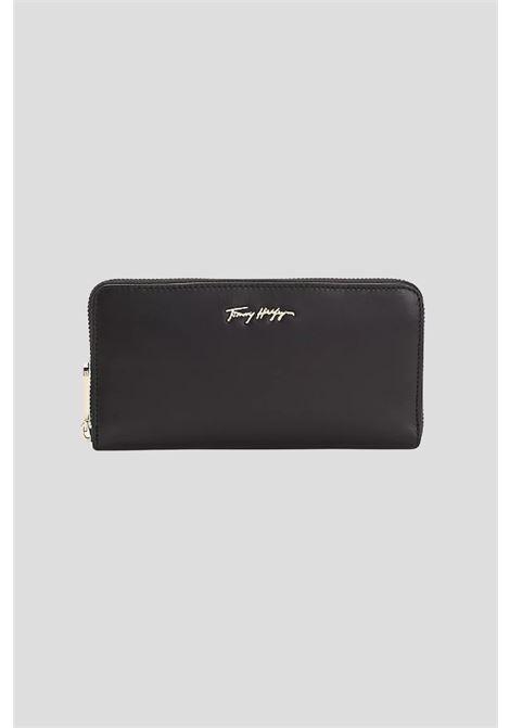 Portafogli donna nero tommy hilfiger con logo frontale TOMMY HILFIGER | Portafogli | AW0AW10498BDS