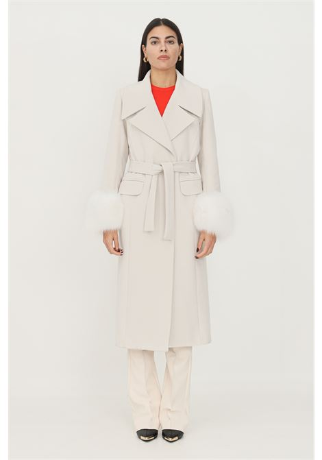 Cream women's coat by un_furtive, double-breasted model with fur application on the cuffs UN_FURTIVE   Coat   CD1078/VOPANNA