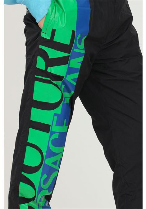 Pantaloni nero uomo versace jeans couture con logo laterale VERSACE JEANS COUTURE   Pantaloni   71GAA102CQS04899