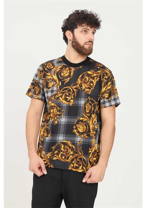Black men's t-shirt by versace jeans couture with baroque print VERSACE JEANS COUTURE | T-shirt | 71GAH6R6JS025G80 (800+ORO)