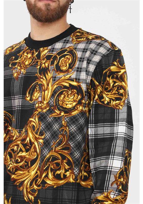 Fantasy men's sweatshirt by versace jeans couture crew neck model with baroque print VERSACE JEANS COUTURE | Sweatshirt | 71GAI3R6FS005G80 (800+ ORO)