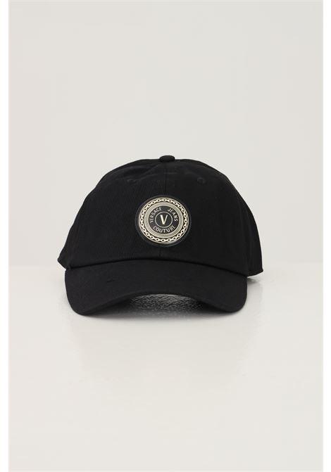 Cappello unisex nero versace jeans couture berretto con applicazione logo oro frontale VERSACE JEANS COUTURE | Cappelli | 71VAZK16ZG016899