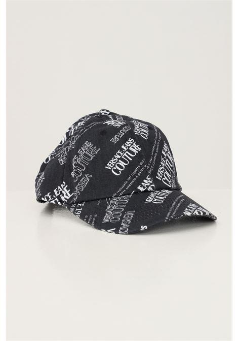 Cappello unisex nero versace jeans couture, berretto con stampa logo lettering allover VERSACE JEANS COUTURE | Cappelli | 71VAZK17ZG017899
