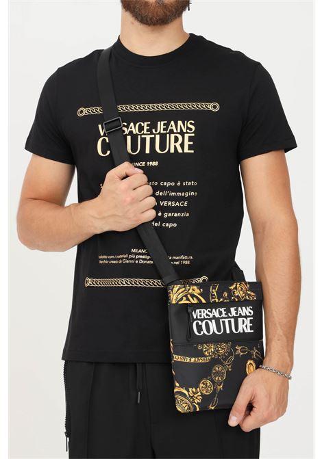 Borsa tracolla uomo nero oro versace jeans couture con stampa barocca VERSACE JEANS COUTURE | Borse | 71YA4B9CZS109G89 (899+948)