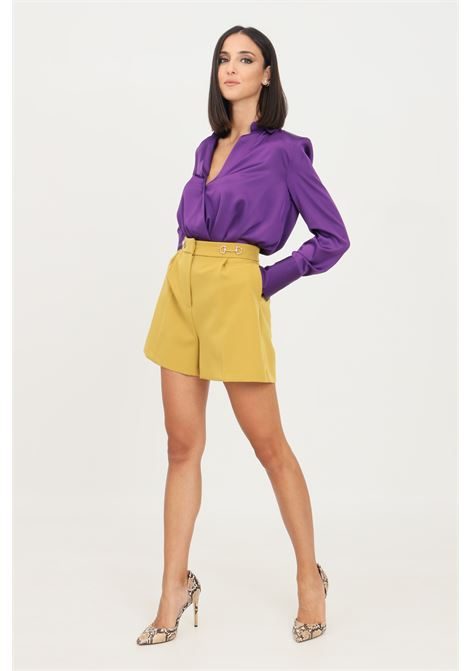Mustard women's shorts by vicolo elegant model with clamps application at the waist VICOLO | Shorts | TX0066SENAPE