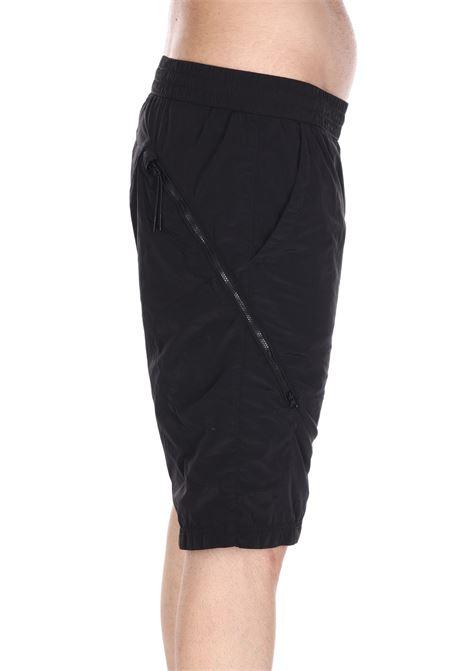 Bermuda Logato Mbe231a00 C.P. COMPANY | Shorts | MBE231A00999