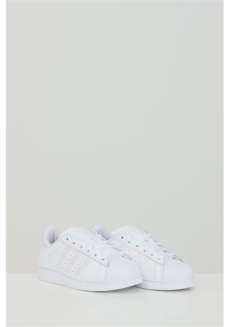 White superstar fluo sneakers in solid color, closure with laces. Baby model. Brand: Adidas ADIDAS | Sneakers | FV3147.