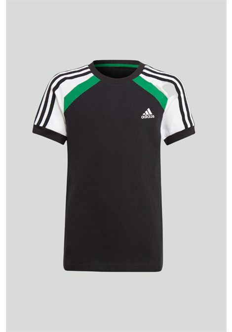 Black comfort colorblock t-shirt in solid color with logo on the front and white-green shoulders in contrast, print on the back. Baby model. Brand: Adidas ADIDAS | T-shirt | GM6970.