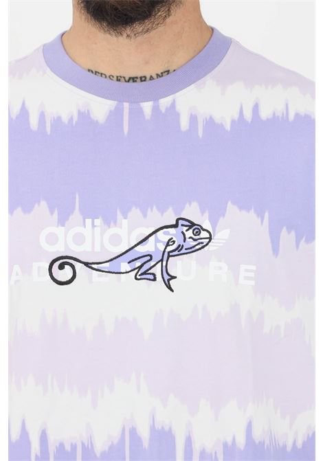 T-shirt uomo lavanda adidas a manica corta con camaleonte ricamato ADIDAS | T-shirt | GN2354.
