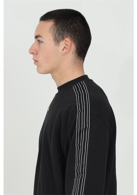 Felpa uomo nero adidas outline 3-stripe crew a girocollo ADIDAS | Felpe | GN2442.