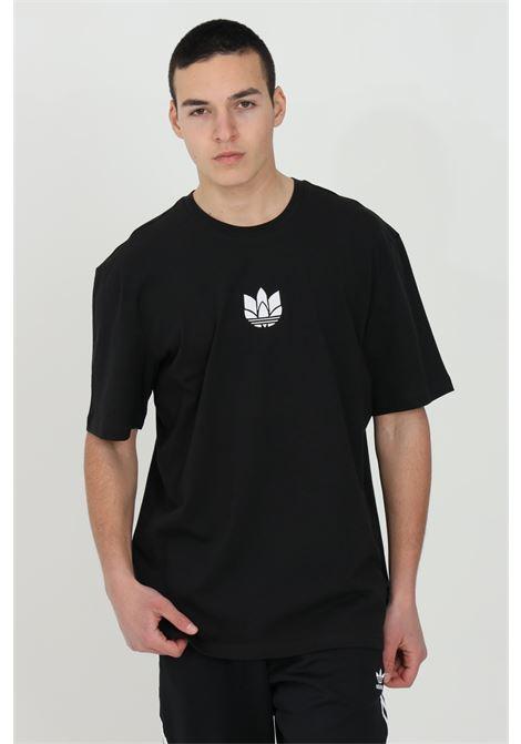 T-shirt loungewear adicolor 3d trefoil uomo nero adidas a manica corta ADIDAS | T-shirt | GN3548.