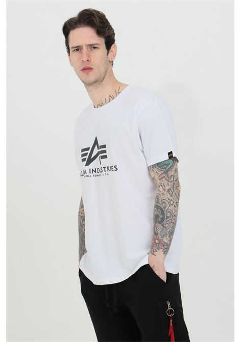 White t-shirt with logo print on the front. Regular fit. Alpha industries ALPHA INDUSTRIES | T-shirt | 100501RR09