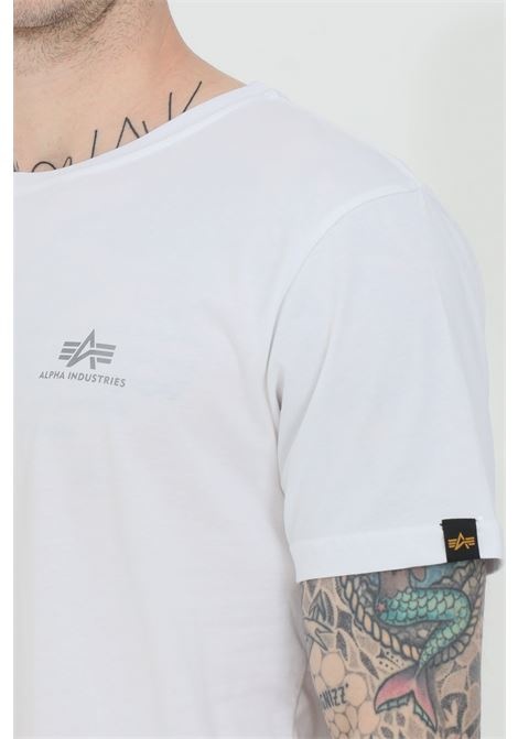 White t-shirt with logo on the front and contrasting logo print on the back, short sleeve. Alpha industries ALPHA INDUSTRIES | T-shirt | 128507RP591