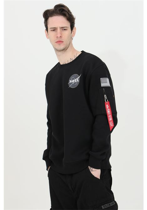 Black sweatshirt with front logo patch and back print. Elastic crew neck, bottom and cuffs with ribs. Alpha industries  ALPHA INDUSTRIES | Sweatshirt | 17830703