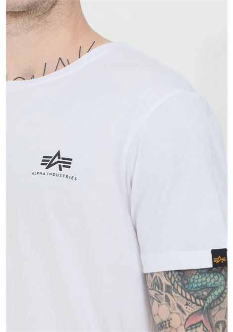 White t-shirt with front logo in contrast, short sleeve. Basic model. Alpha industries  ALPHA INDUSTRIES | T-shirt | 18850509