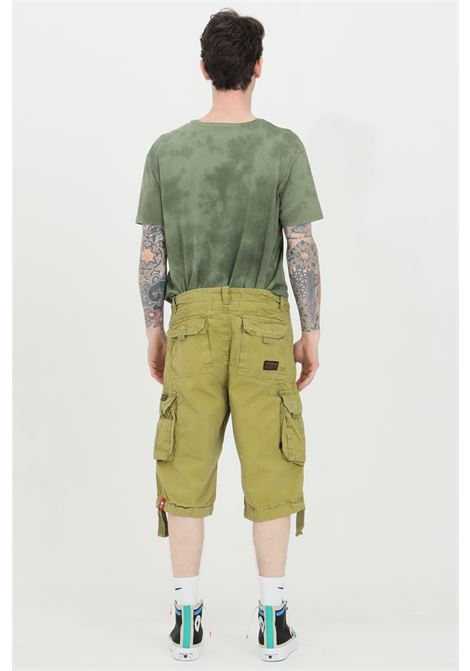 Khaki shorts with belt loops, back pockets with slippers and bottom with drawstring. Cargo model. Alpha industries  ALPHA INDUSTRIES | Shorts | 191200440