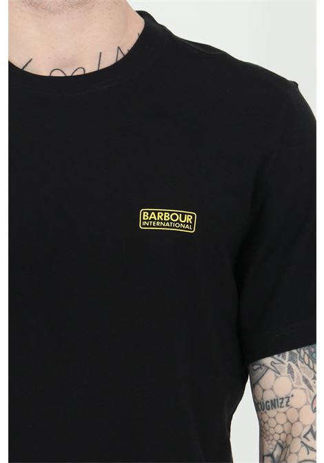 T-shirt uomo nero barbour a manica corta con logo frontale. Modello regular fit BARbour | T-shirt | MTS0141-MTSBK31