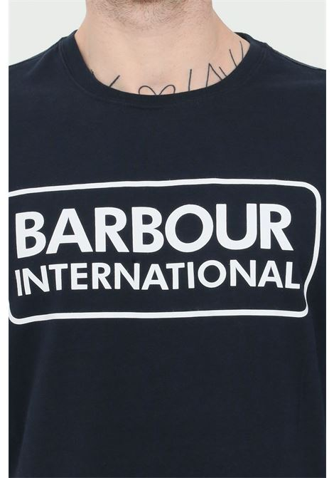 T-shirt uomo blu barbour a manica corta con stampa logo international frontale BARbour | T-shirt | MTS0369-MTSNY39