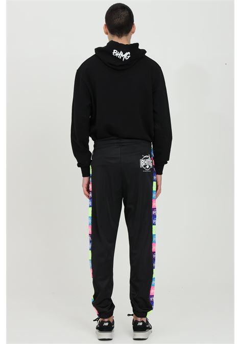 Pantaloni tuta uomo Bhmg casual con bande multicolor BHMG | Pantaloni | 029043110