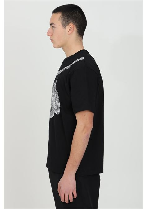 Black t-shirt with short sleeves and print on the front Basic model with round neck and solid color. Straight bottom.Bhmg BHMG | T-shirt | 029109110