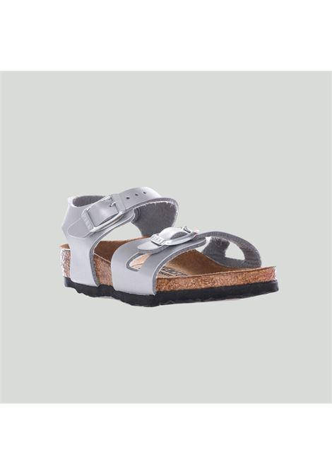 Silver sandals with adjustable buckles. Baby model. Brand: Birkenstock BIRKENSTOCK | Sandal | 731483SILVER