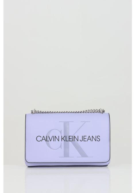 Borsa donna lavanda calvin klein con tracolla e chiusura con clip, tasca esterna sul retro CALVIN KLEIN | Borse | K60K607463V0K