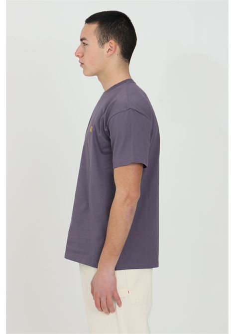 Purple basic chase t-shirt with embroidered logo on the front, short sleeve. Comfortable model. Carhartt  CARHARTT | T-shirt | I026391.030AF.90