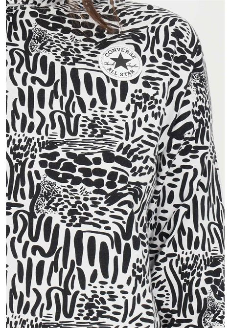 Felpa Chuck taylor graphic print hoodie donna egret multi Converse con cappuccio. Il bordo regolabile aggiunge un tocco personalizzato, le stampe artistiche sottolineano calore e leggerezza CONVERSE | Felpe | 10022639-A01A01