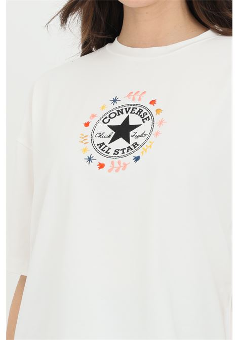 White chuck taylor wander boxy tee t-shirt with short sleeve. Logo on  front. CONVERSE | T-shirt | 10022649-A01A01