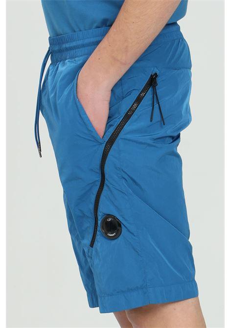 Shorts uomo blu cp company casual con tasche e maxi zip C.P. COMPANY | Shorts | 10CMBE052A-005904G870