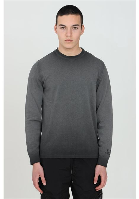 Grey sweatshirt with gradient effect and crew neck. C.p. company C.P. COMPANY | Knitwear | 10CMKN140A-005683H938