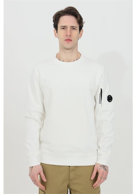 White sweatshirt, crew neck model, side pocket with zip and elastic bottom and cuffs with ribs. C.p. company C.P. COMPANY | Sweatshirt | 10CMSS045A-005086W103