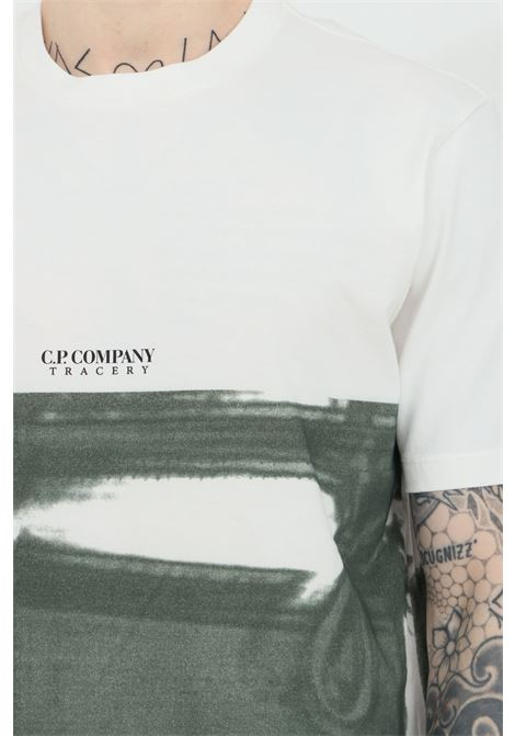 White t-shirt with short sleeves and watercolor print. Ribbed crew neck. Comfortable model. C.p. company C.P. COMPANY | T-shirt | 10CMTS202A-005621P668