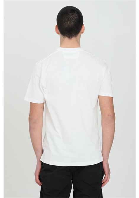 White t-shirt with contrasting front logo, short sleeves. Regular fit. C.p. company C.P. COMPANY | T-shirt | 10CMTS213A-006011W103