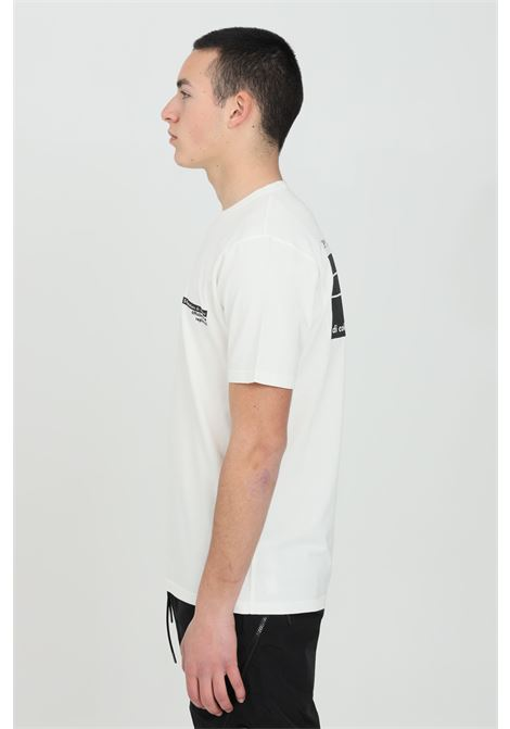 White t-shirt with print on the back, short sleeves. Regular fit. C.p. company C.P. COMPANY | T-shirt | 10CMTS294A-005697O103