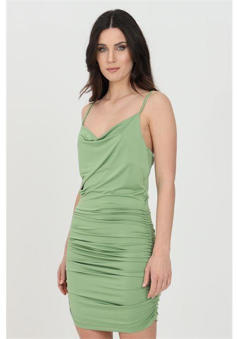 Abito donna verde dramee corto taglio aderente, scollo svasato e arriccio sul fondo. Modello slim in tinta unita DRAMèE | Abiti | D21057ACIDO