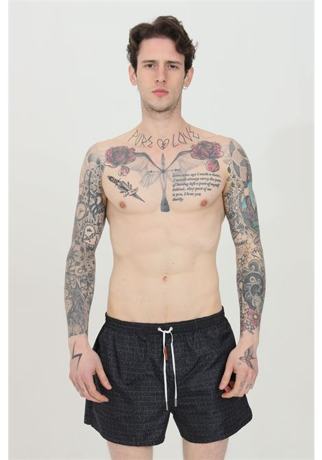 Beachwear costume uomo nero dsquared2 shorts mare con stampa pattern. Chiusura con lacci. Modello comodo a fondo dritto DSQUARED2 | Beachwear | D7B642970078