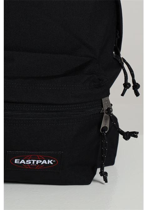 Zaino unisex nero eastpak in tinta unita con logo a contrasto, chiusura con zip e tracolle regolabili EASTPAK | Zaini | EK0A5B74008BLACK