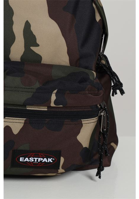 Zaino unisex verde militare eastpak con logo a contrasto, chiusura con zip e tracolle regolabili EASTPAK | Zaini | EK0A5B74181CAMO